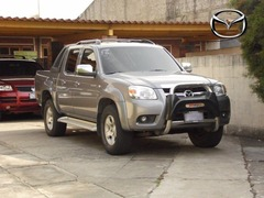 Vendo hermoso Pick up Mazda Bt-50 2,010