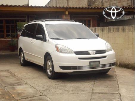 Toyota Siena LE 2,004
